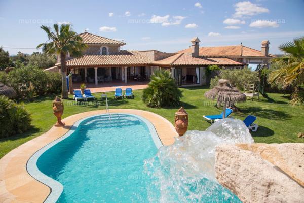 Casa rural -                                       Can Picafort -                                       6 dormitorios -                                       10 ocupantes